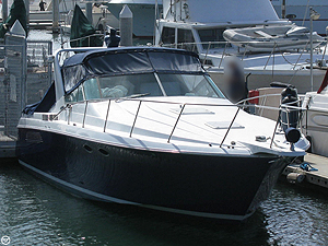 Antonina Private Yacht starboard bow