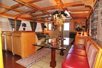 Voyager yacht charter interior