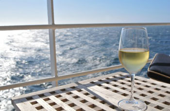 Wine on cruise yacht