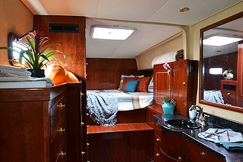 Adventuress catamaran stateroom