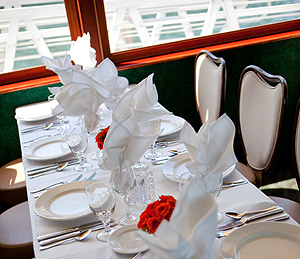 Emerald Hornblower table setting